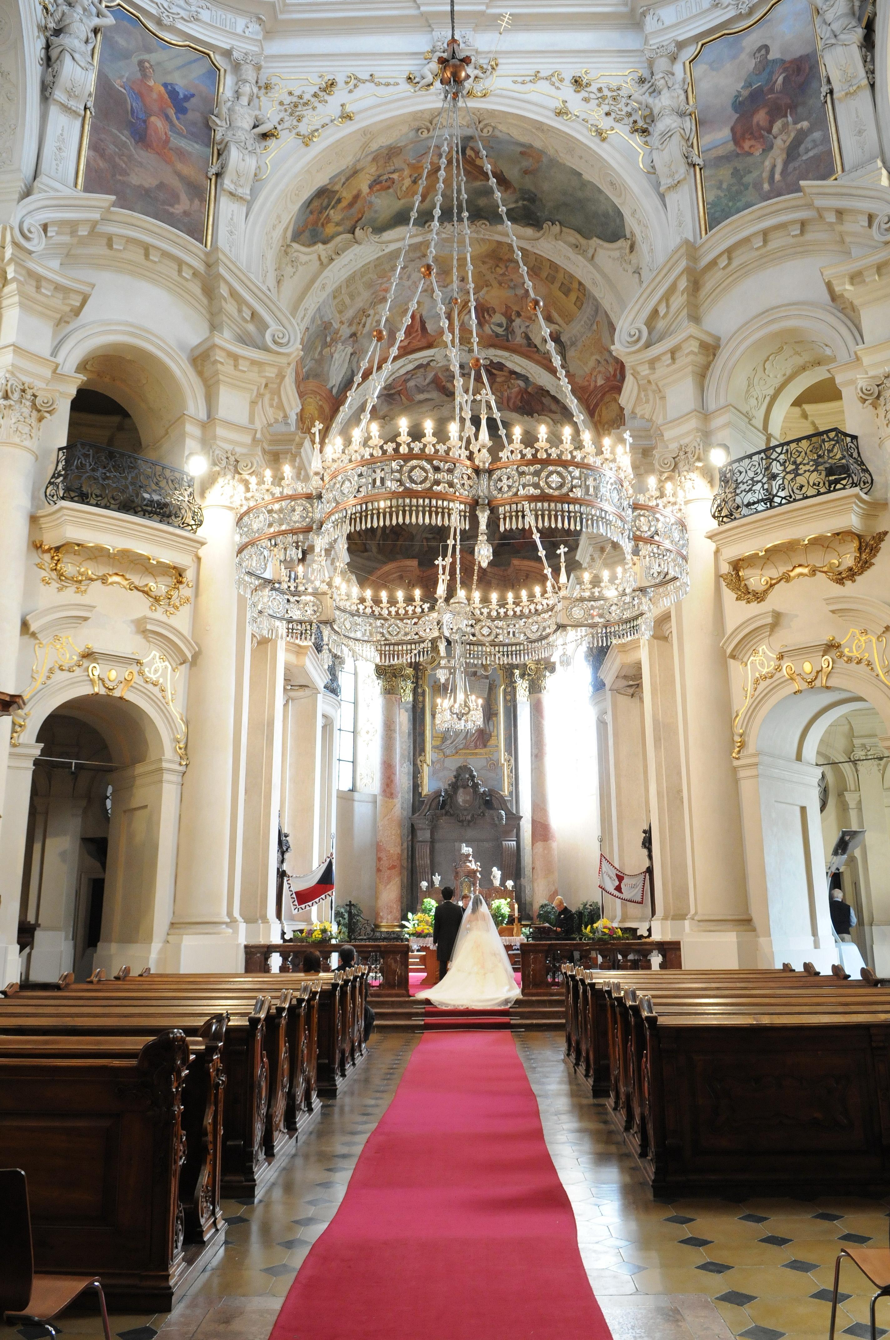 チェコ挙式 聖ミクラーシュ教会ウエディング A M 様 A Y 様