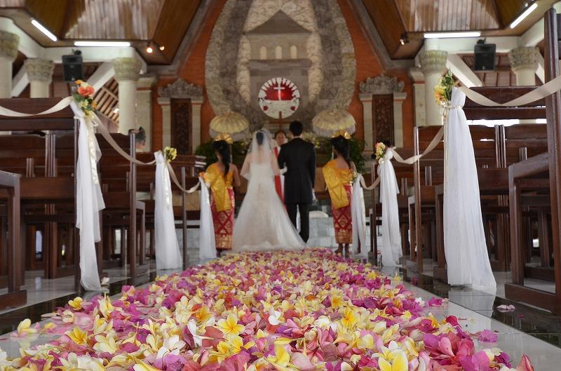 バリ島挙式 ヌサドゥア教会&トゥガルジャヤ宮殿 Wウエディング M.N 様 N.R様